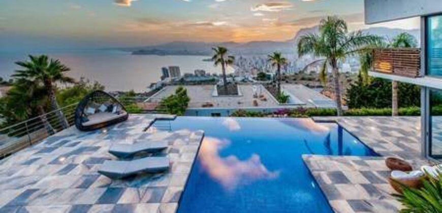 Spectacular Minimalist Design Villa