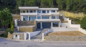 Fantastic Property in Javea With Panoramic Sea and Valley Views