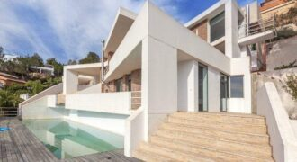 Villa Located in Javea