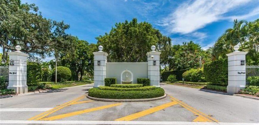 610 GATE LN
