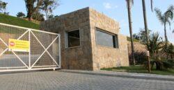 OCEANFRONT and OCEANVIEW Cacupé Beach-FLORIANÓPOLIS-BRAZIL-New Luxury House 4Suites in Condominium