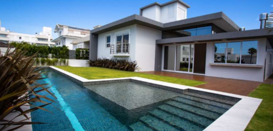 200mt Sea Jurerê Intetnacional Beach-FLORIANÓPOLIS-BRAZIL-New Luxury House 4Suites PartlyFurnished