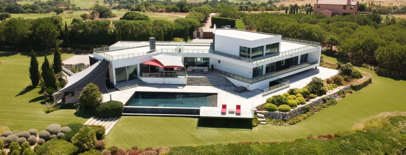 Impressive Villa of Contemporary Architecture