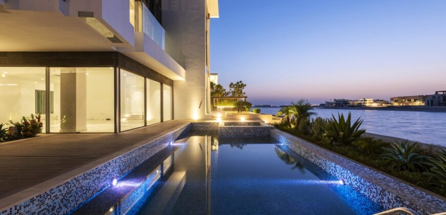 Beach Villa with Atlantis & Sunset View